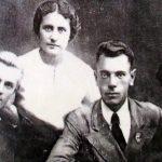 С братьями и сестрой 38 год
